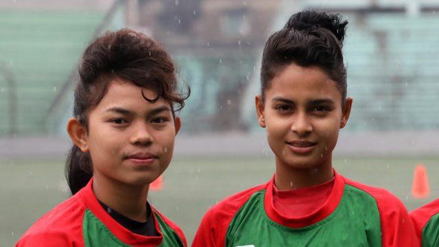 প্রধানমন্ত্রীর কাছে বিচার চাইলেন নারী ফুটবলাররা