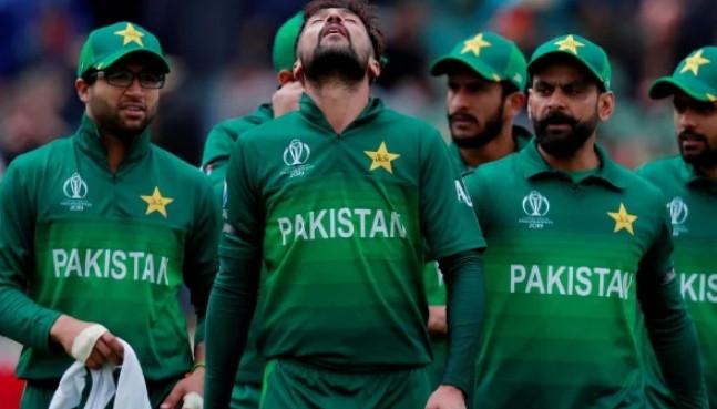 মাথায় বলের আঘাত : হাসপাতালে পাকিস্তানি ক্রিকেটার